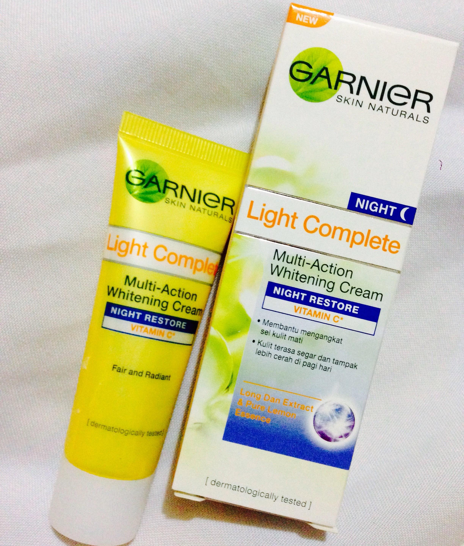 Review Garnier Light Complete Night Restore Cream